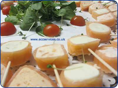 Wedding catering ideas and menu suggestions all your for Cheap wedding canape ideas